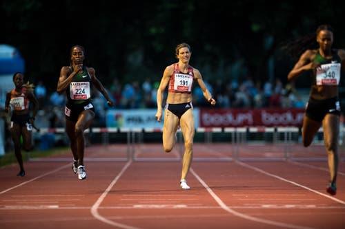 Lea Sprunger wird über 400m-Hürden Vierte. (Bild: Roger Grütter (Luzern, 9. Juli 2018))