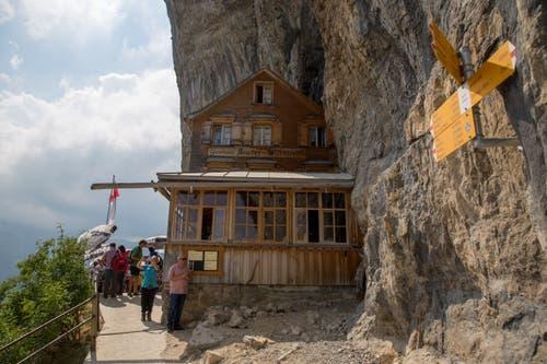 Und auch bei Wanderern ist das Berggasthaus beliebt. (Bild: Raphael Rohner)