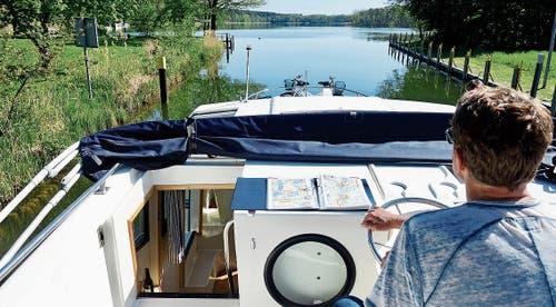 Die geräumige «Magnifique» kann man ohne Bootsführerschein steuern.