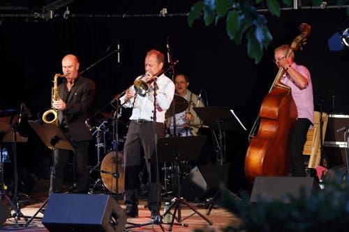 Am Freitag traten dann unter anderem «T. Rolf& the Groovin Cats» auf. (Bild: Werner Schelbert (Zug, 24. August 2018))
