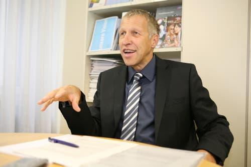 Konrad Graber gibt im Oktober 2008 der damaligen Neuen Luzerner Zeitung ein Interview zum Hilfspaket des Bundesrats.(Bild: Manuela Jans)