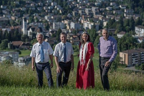 Konrad Graber (rechts) ist in Kriens zu Hause. Damit befindet er sich in bester Spitzenpolitiker-Gesellschaft: Paul Winiker (v.l.), Marcel Schwerzmann und Yvette Estermann wohnen ebenfalls in Kriens. (Bild: Pius Amrein)