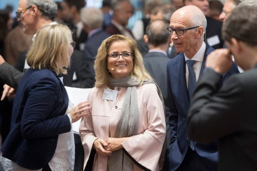 Die Stadtsanktgaller Bauchefin Maria Pappa neben Stadtpräsident Thomas Scheitlin. (Bild: Urs Bucher)