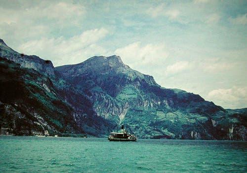Das Dampfschiff Wilhelm Tell auf voller Fahrt im Vierwaldstättersee. Bild: Archiv luzerner.dampfschiff.ch