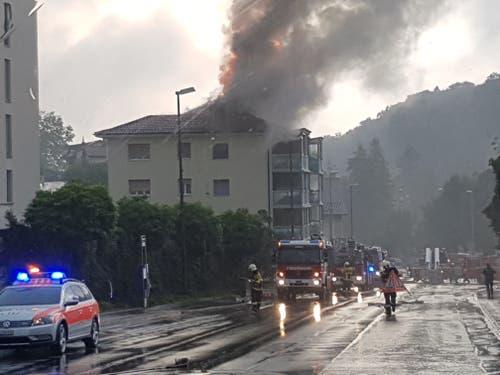 Die Feuerwehr war mit einem Grossaufgebot im Einsatz (Bild: Matthias Piazza)