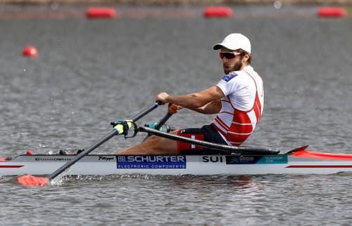Michael Schmid während des Wettkampfs. (Bild: AP Photo/Darko Bandic)