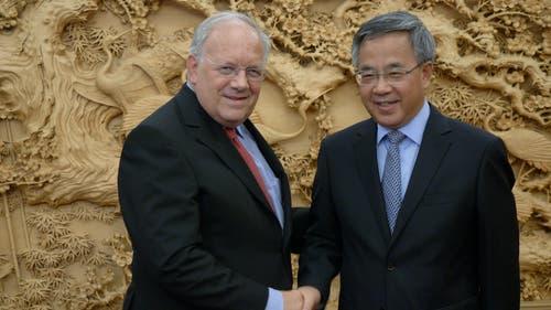 Bundesrat Johann Schneider-Ammann trifft den chinesischen Vizepremier Hu Chunhua im Hauptquartier der kommunistischen Partei in Peking. (Bild: Roger Braun (Peking, 6. September 2018))