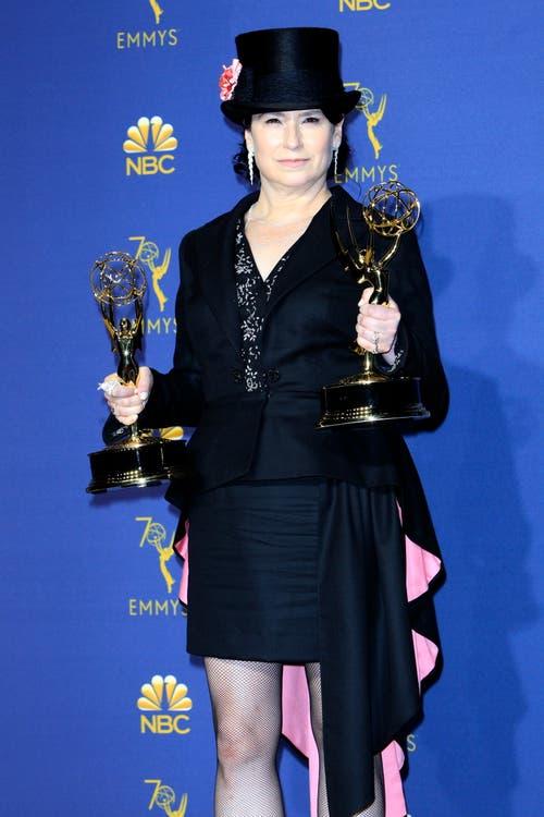 Amy Sherman-Palladino erhielt als erste Frau gleichzeitig den Emmy für «Bestes Drehbuch» und «Beste Regie» für die Comedy-Serie «Marvelous Ms. Maisel». (Bild: EPA/Nina Prommer, 17. September 2018)