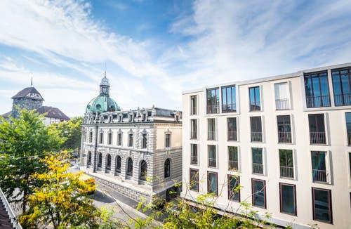 Blick auf alte und neue Post vom Gebäude vis-à-vis an der Rheinstrasse. (Bilder: Reto Martin und Andrea Stalder)