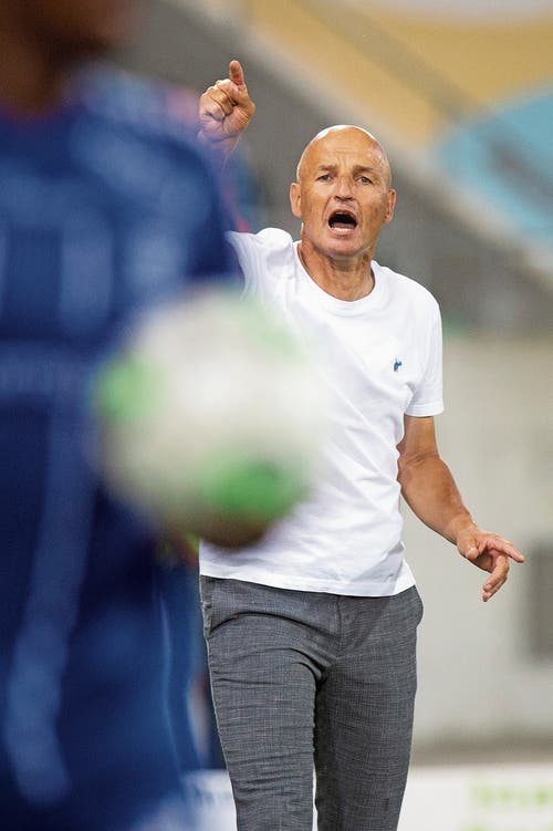 St.Gallens Trainer Peter Zeidler. (Bild: Melanie Duchene/Keystone)