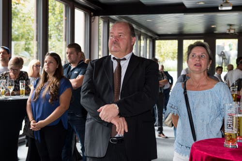Felix Müri mit seiner Gattin nach der Wahlverkündung.