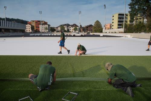 10. September 2018: Das Stadion erhält den neuen Kunstrasen. Bild: Pius Amrein (Kriens, 26. September 2018)
