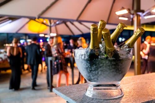 Champagner stehen für die Gäste bereit. (Bild: Philipp Schmidli, 28. September 2018)