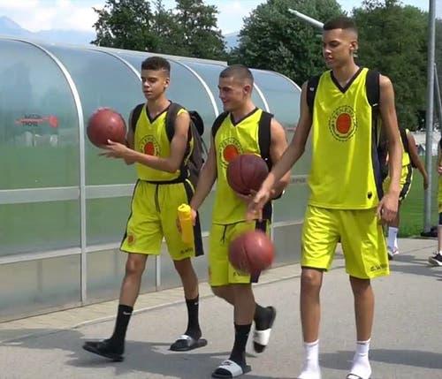 Dieses Bild aus dem Basketballlager in Tenero erreichte über 250 Likes. (Bild: Instagram/alexisbirboutsakis)