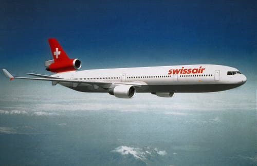 Die Unglücksmaschine, ein Passagierflugzeug des Typs MD-11, hatte bis zum Unglück insgesamt 36'041 Flugstunden geleistet. (Bild: Keystone)