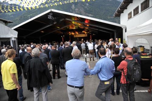 Zuschauer vor der Piazza-Bühne. (Bild: Urs Hanhart, Altdorf, 6. September 2018)