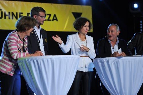 Wirtschaftstalk auf der Bühne Piazza (von links): Doris Schurter Russi, Christoph Bugnon, Beatrice Müller und Samih Sawiris. (Bild: Urs Hanhart, Altdorf, 6. September 2018)