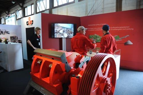 Bei der Gipo AG gibt es interessante Maschinen zu sehen. (Bild: Urs Hanhart, Altdorf, 7. September 2018)