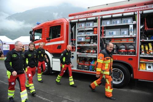 Feuerwehrleute zeigen an der Uri 18, was sie können. (Bild: Urs Hanhart, Altdorf, 7. September 2018)