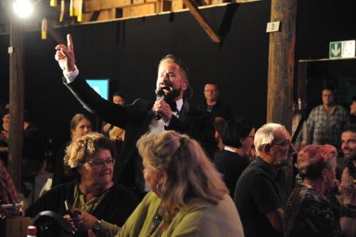 Der Urner Schlagersänger Leonard bei seinem Auftritt auf der Bühne 18 (Bild: Urs Hanhart, Altdorf, 6. September 2018)