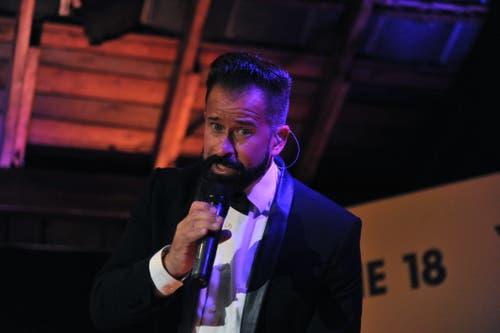 Der Urner Schlagersänger Leonard bei seinem Auftritt auf der Bühne 18. (Bild: Urs Hanhart, Altdorf, 6. September 2018)