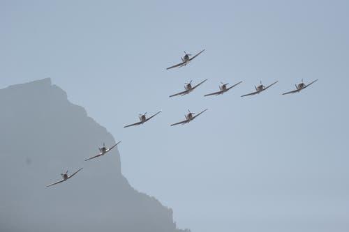 Das PC-7 Team fliegt über die «Uri 18». (Bild: Urs Hanhart, Altdorf, 8. September 2018)