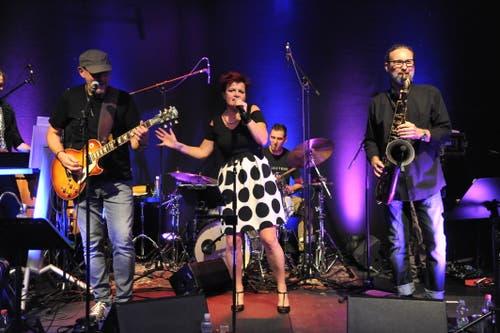 Die Band Whiteandblue bei ihrem Auftritt. (Bild: Urs Hanhart, Altdorf, 7. September 2018)