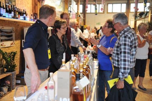 In der Wine Lounge kann man Weine und Spirituosen probieren. (Bild: Urs Hanhart, Altdorf, 8. September 2018)