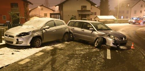 Nebikon - 9. JanuarAuf der Egolzwilerstrasse in Nebikon sind zwei Autos zusammengeprallt. Eine Autofahrerin wurde dabei leicht verletzt. Die beiden Wagen waren nicht mehr fahrbar. (Bild: Luzerner Polizei)