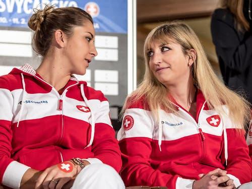 Auch Belinda Bencic und Timea Bacsinszky erwischten ein schwieriges Los (Bild: KEYSTONE/EPA/MARTIN DIVISEK)