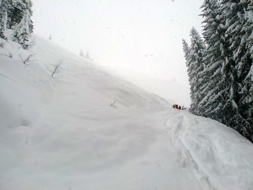 In weiten Teilen Österreichs ist die Lawinengefahr leicht gesunken. (Bild: KEYSTONE/APA/BERGRETTUNG/UNBEKANNT)