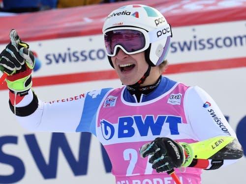 Marco Odermatt freut sich über sein zweitbestes Riesenslalom-Ergebnis (Bild: KEYSTONE/AP/MARCO TACCA)