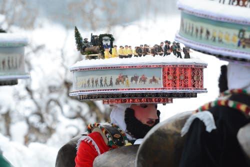 Der Hofbachschuppel aus Urnäsch thematisiert auf seinen Hüten und Hauben das Bloch.