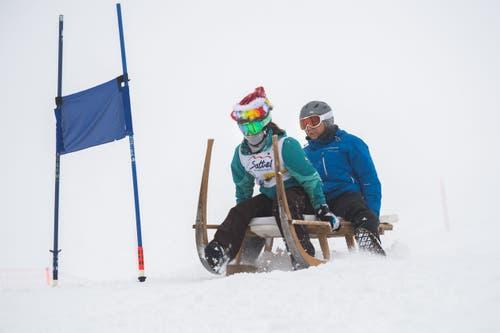 Wagten das Rennen als gemischtes Team: Daniel Achermann mit Isabelle Wortmann.(Bild: Eveline Beerkircher (Sattel, 12. Januar 2019))