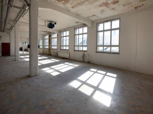 Historische Halle in der ehemaligen Porzellanfabrik. (Bild: KEYSTONE/GAETAN BALLY)