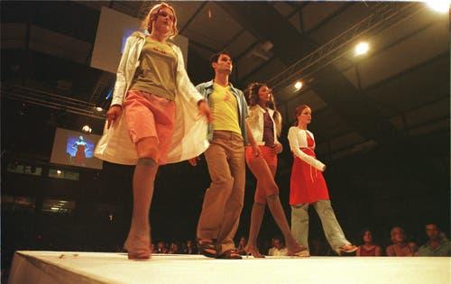 Gwand 1999: Schweizer Nachwuchsdesigner präsentieren ihre Kollektionen. (Bild: Dorothea Müller)