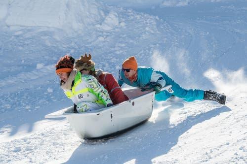 Das Wintersportlager-Tenue passte perfekt. (Bild: Nadia Schärli, Stoos, 19. Januar 2019)