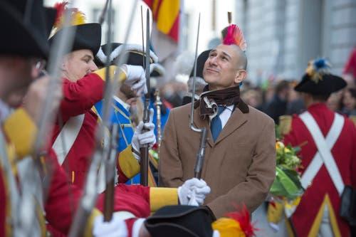 Ehrengast der Abholung war Satiriker Andreas Thiel - dieser nahm die Grenadiere genauer unter die Lupe. (Bild: Dominik Wunderli, Luzern, 19. Januar 2018)