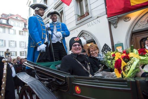 Hat seinen Platz (in der Kutsche) gefunden: Fritschivater Reto Schriber . (Bild: Dominik Wunderli, Luzern, 19. Januar 2018)