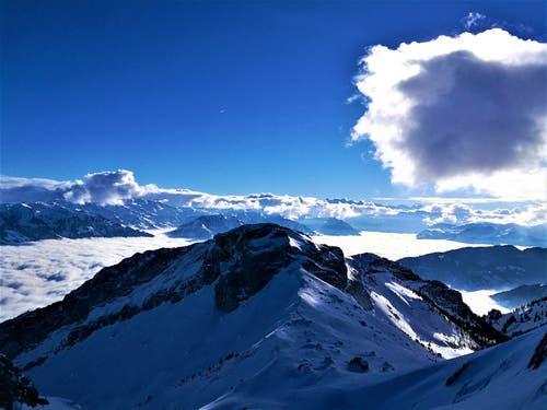Wunderbare Aussicht auf das Nebelmeer und die Berge. (Bild: Urs Gutfleisch (Pilatus Kulm, 21. Januar 2019))