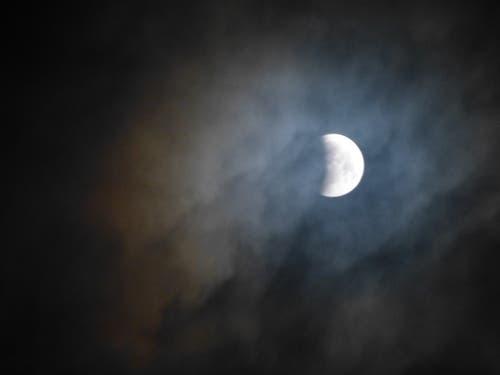 Die Mondfinsternis über Wolhusen (Bild: Josef Lustenberger (Wolhusen, 21. Januar 2019))