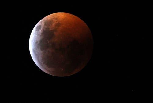 Der Mond über Cali, Kolumbien. (Bild: Ernesto Guzman Jr./EPA, 20. Januar 2019)