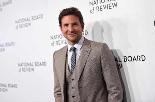 Bradley Cooper spielt die männliche Hauptrolle im Film «A Star is Born» neben Lady Gaga. (Bild: Keystone/Evan Agostini)