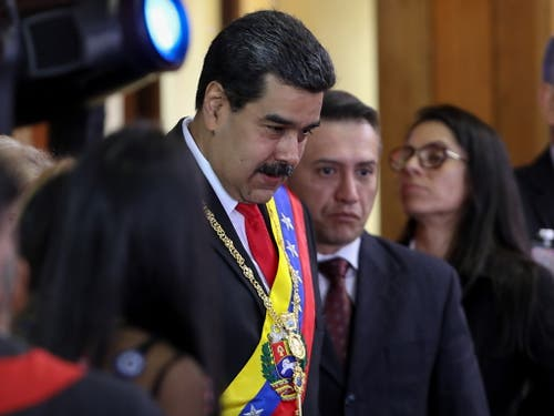 Venezuelas Präsident Nicolas Maduro kann sich derzeit noch auf das Militär verlassen. Er hat Dialogbereitschaft im Machtkampf mit Juan Guaido signalisiert. (Bild: KEYSTONE/EPA EFE/CRISTIAN HERNANDEZ)