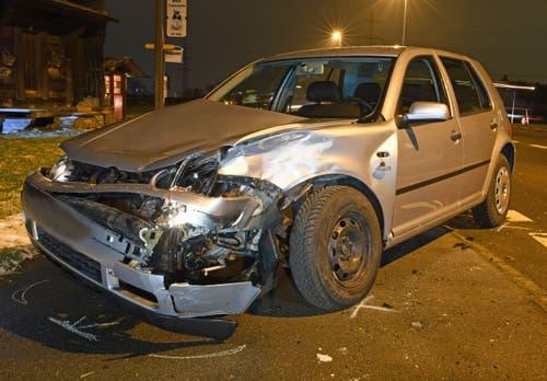 Luzern – 24. JanuarIn Luzern wollte ein Autofahrer auf der Ruswilerstrasse wenden. Dabei kollidierte er mit einem Lieferwagen. Verletzt wurde niemand, es entstand jedoch ein Sachschaden von rund 15'000 Franken. (Bild: Luzerner Polizei (Luzern, 24. Januar 2019))