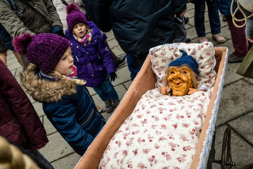 Weitere Impressionen vom «Chrienser Böögge-Triibe». (Bild: Manuela Jans-Koch, Kriens, 26. Januar 2019)