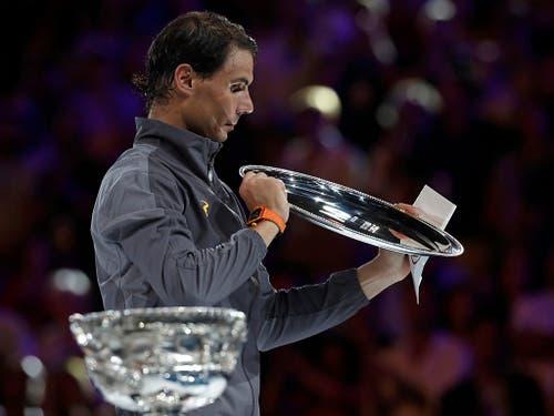 Rafael Nadal blieb für einmal chancenlos und verlor seinen vierten Final am Australian Open in Serie (Bild: KEYSTONE/AP/KIN CHEUNG)
