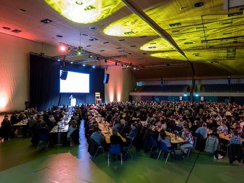 508 Delegierte kamen zur Nominationsversammlung in die Stadthalle Sursee. (Bild: KEYSTONE/ALEXANDRA WEY)