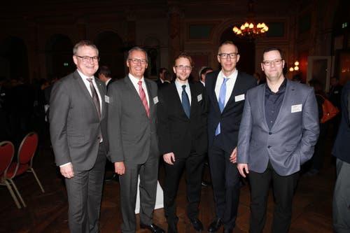 Auch der Kanton Uri war vertreten: Volkswirtschaftsdirektor Urban Camenzind, IHZ-Vorstandsmitglied und VRP Dätwyler AG Paul J. Hälg, Finanzdirektor Urs Janett, IHZ-Präsident Andreas Ruch und EWA-CEO Werner Jauch. (Bild: PD)