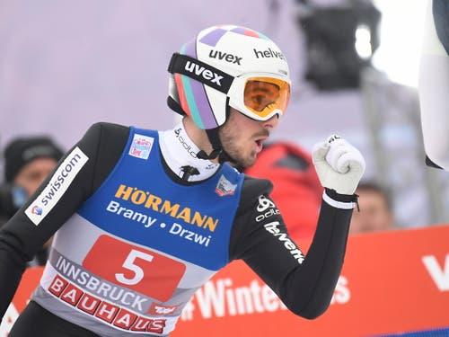 Killian Peier springt an der Vierschanzentournee in Innsbruck mitten in die Weltelite (Bild: KEYSTONE/EPA/CHRISTIAN BRUNA)